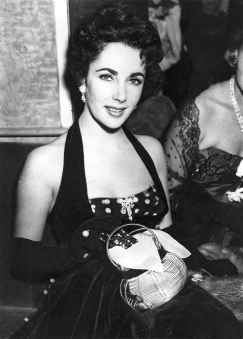 vintage studio photographs of elizabeth taylor jpg 620x863